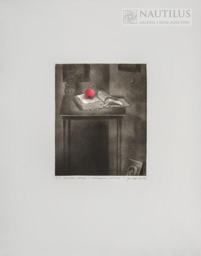 Martwa natura z czerwonym jabłkiem