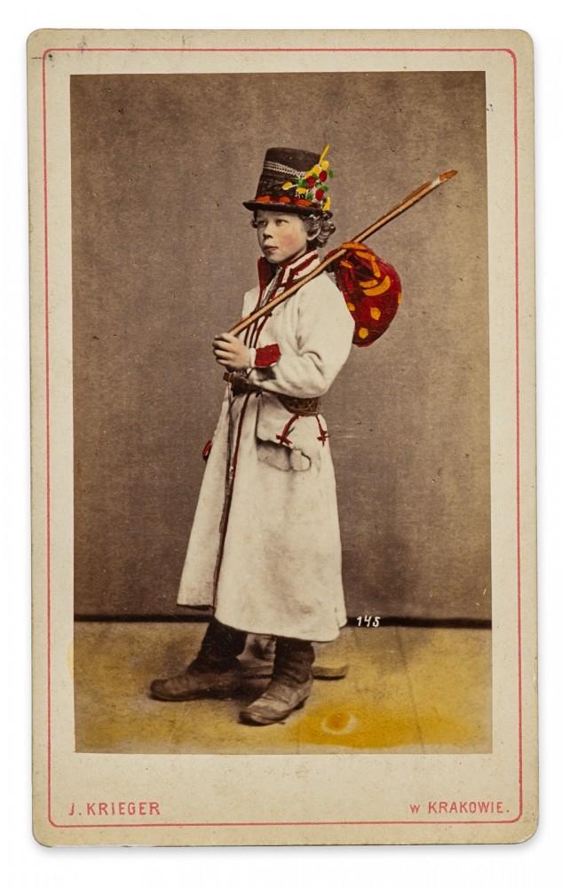 Chłopiec z Bronowic w stroju krakowskim