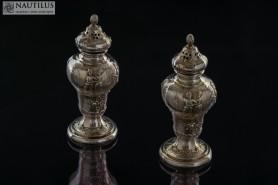 Para solniczek ze scenkami rodzajowymi, XIX wiek